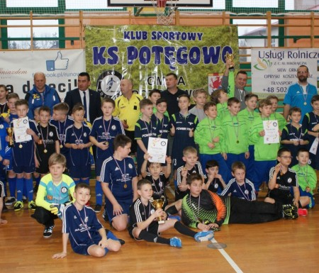 Halowy Turnieju Piłki Nożnej rocznika 2005-2006 w Potęgowie