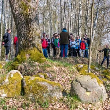 W dolinie łupawskich megalitów - przewodnik