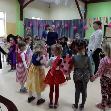 Bal karnawałowy przedszkolaków w Łupawie