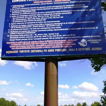 niebieska tablica informacyjna PZW