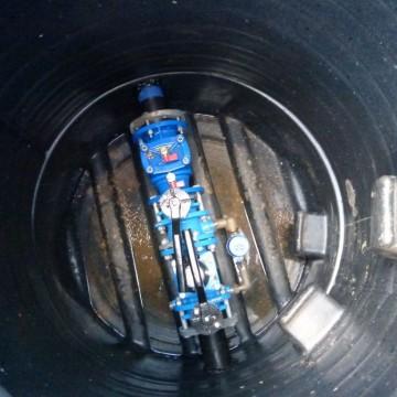 nowa pompa głębinowa wymieniona podczas budowy sieci wodociągowej